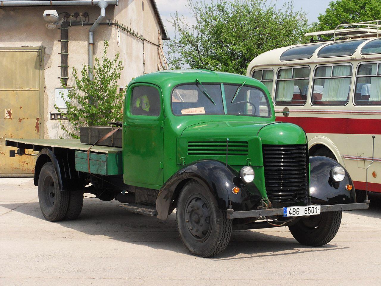 Historický automobil Praga RND, lidově nazývaný erena