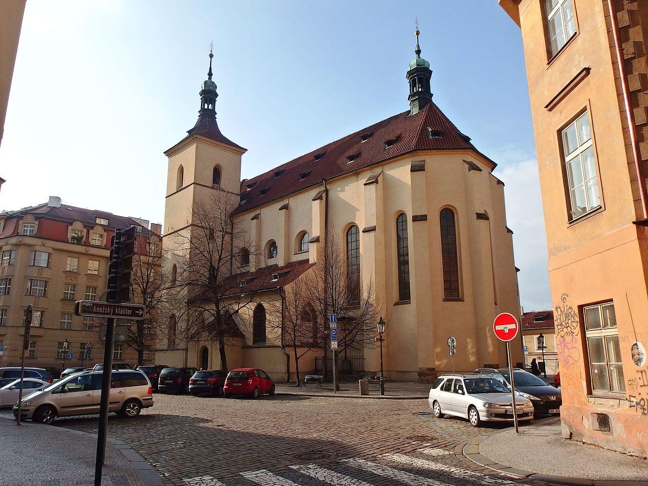 Haštalské náměstí a kostel sv. Haštala