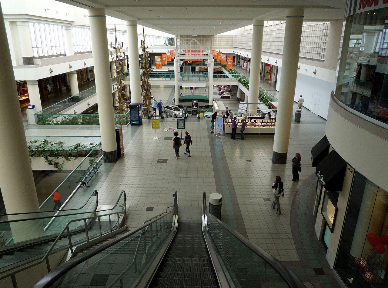 Southdale Center v Minnesotě, první moderní nákupní centrum na světě