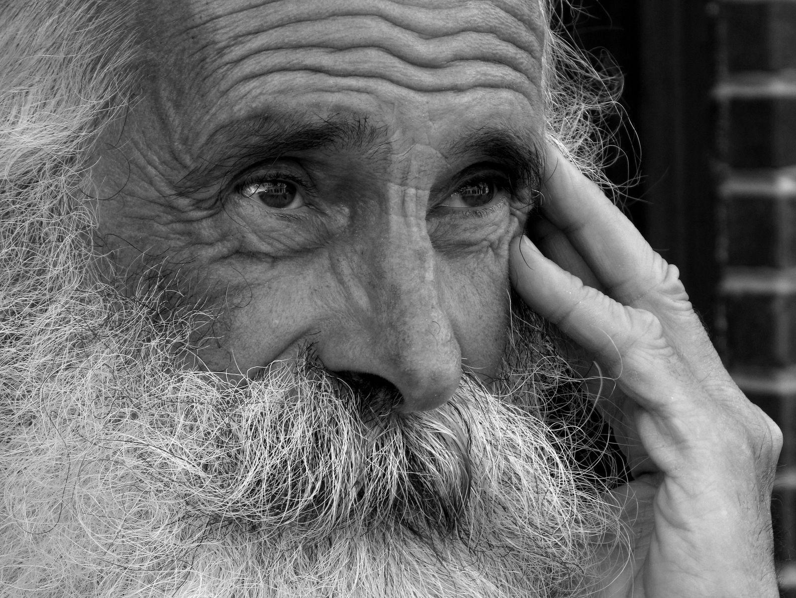 Musí být myšlenka na stárnutí nutně depresivní?