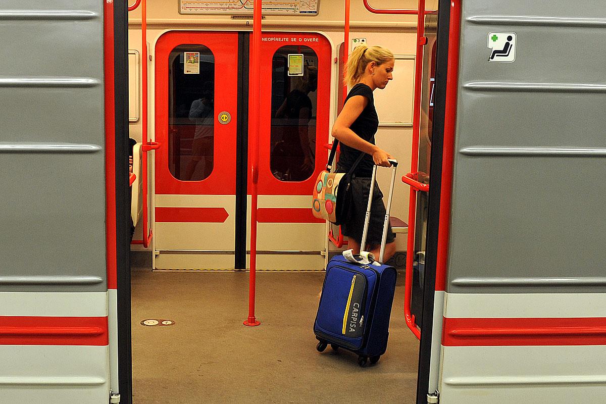 metro, dopravní podnik Praha