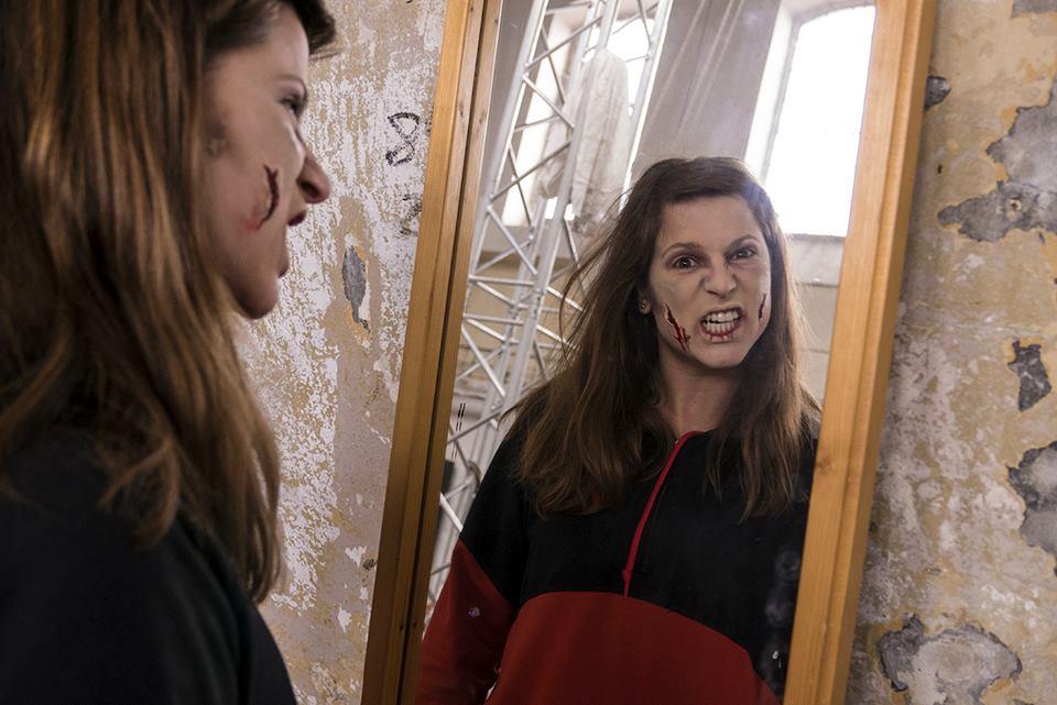 399ad541d Zombie apokalypsa na Jatkách78 aneb béčková romantická klasika začne v 11:55