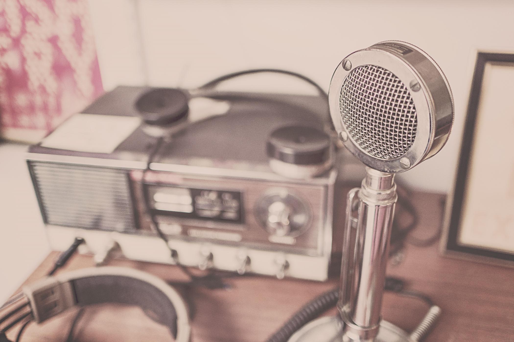 Vysílání - vysílačka - rádio