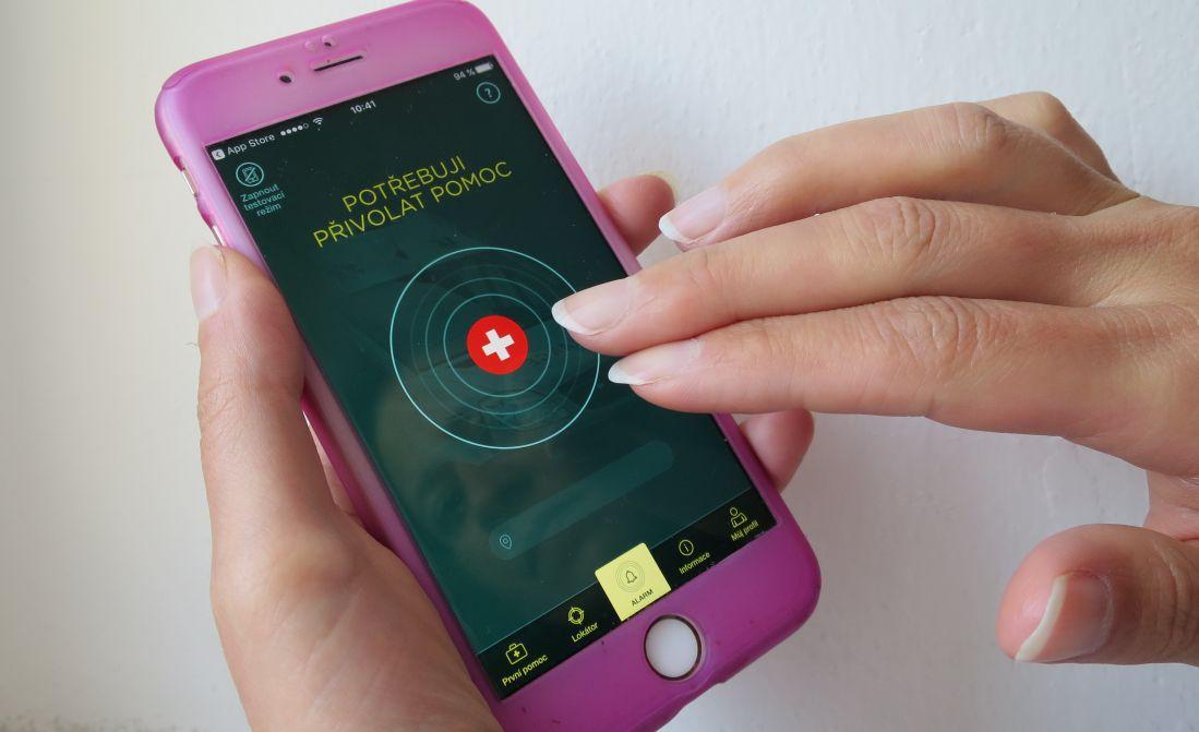 Mobilní aplikace Záchranka pomáhá s rychlejší první pomocí. Má ji už víc než 420 000 lidí