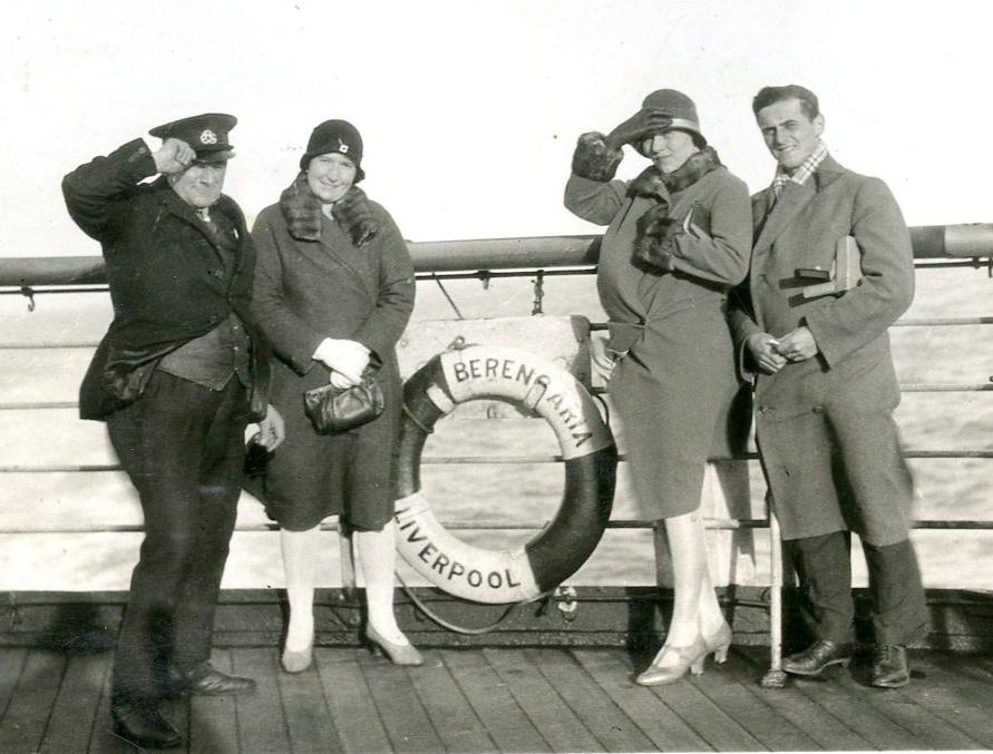 Autorčin dědeček, Vladislav Horák, zcela vpravo