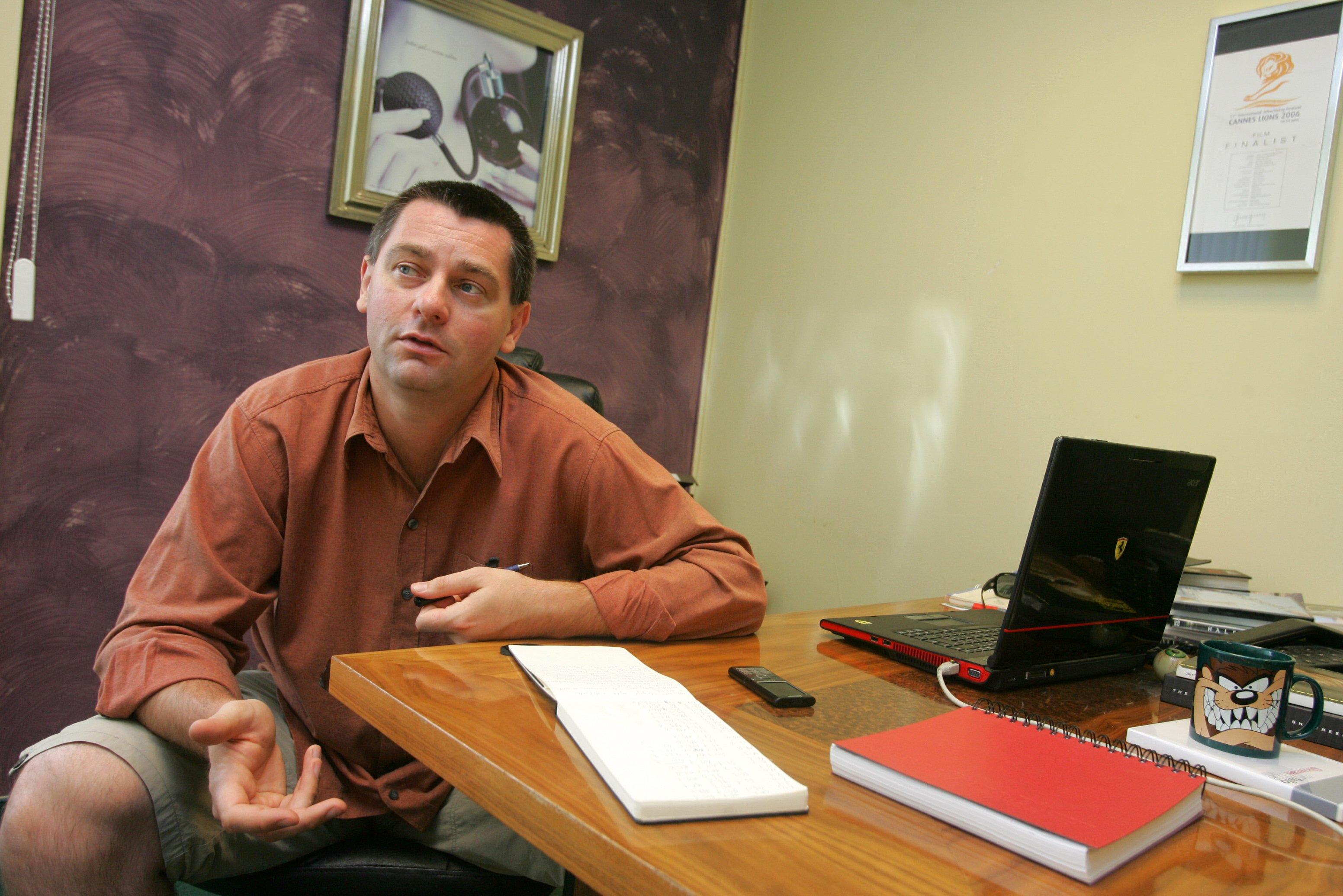 Peter Darovec, literární vědec