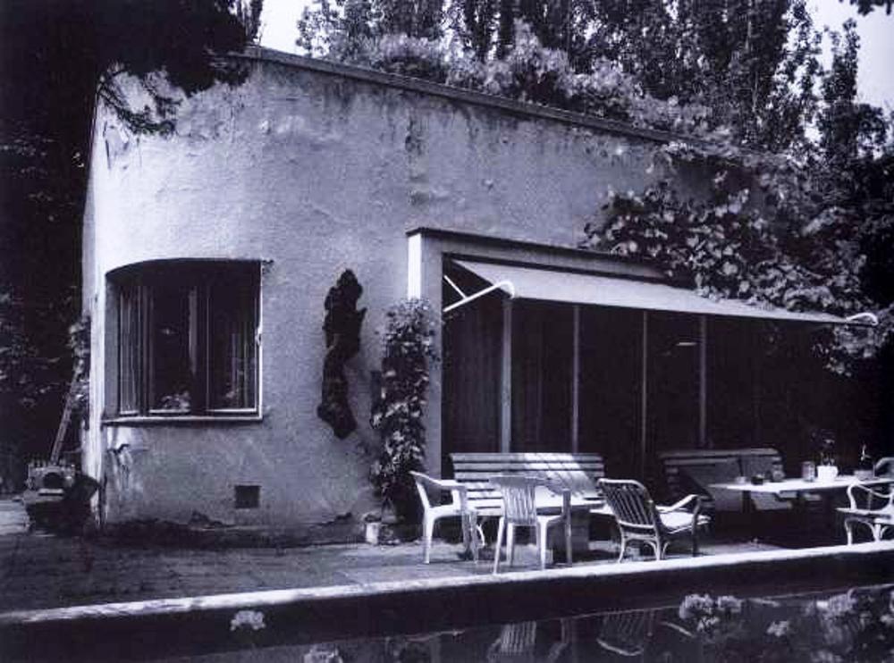 Přízemní rodinná vila (č.p. 246), ulice Na Přesypu 7 v Praze