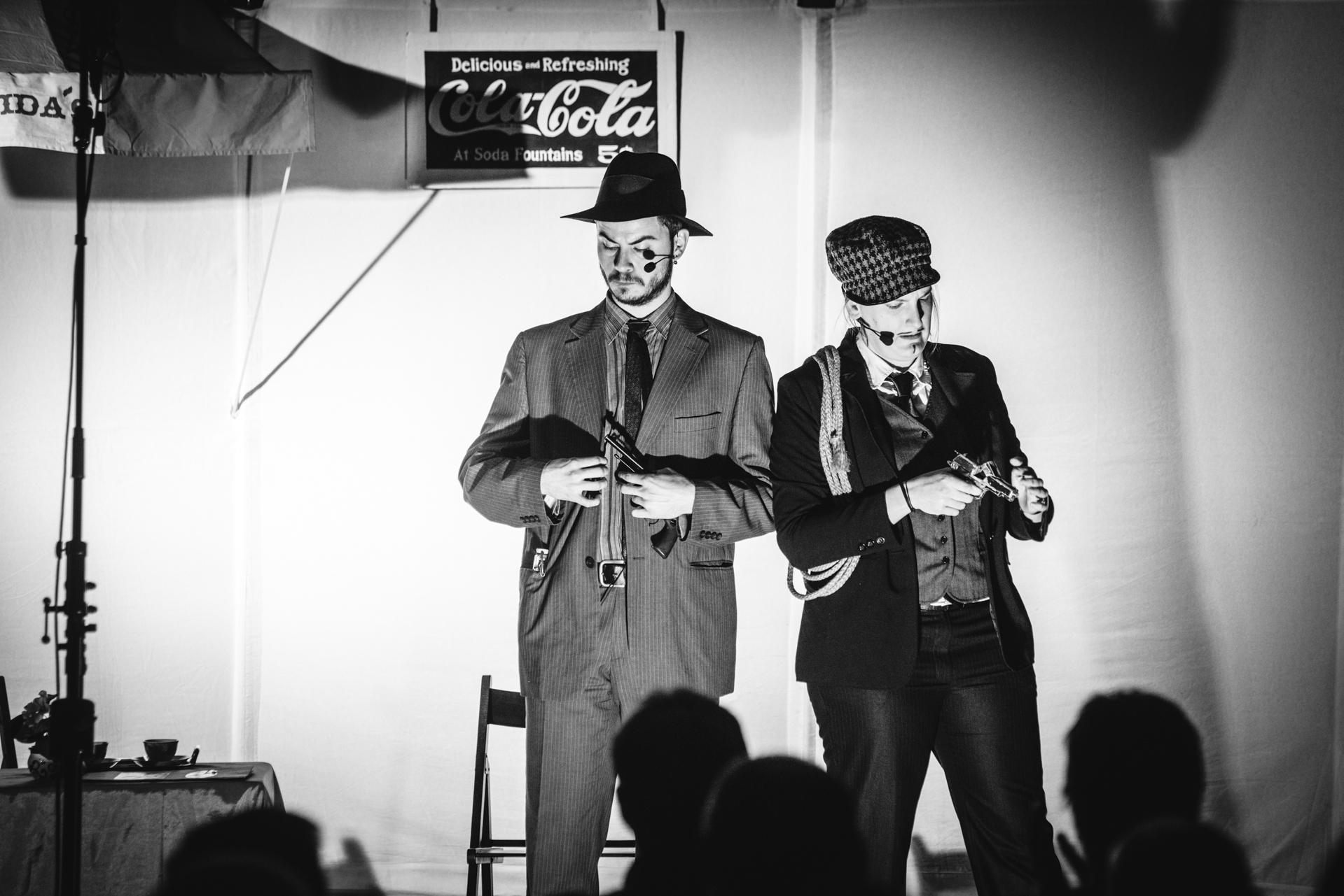 Kočovné divadlo Ad Hoc: Il Congelatore (Zmrazovač). Fotografie z natáčení rozhlasového Kabaretu v éteru (2017).