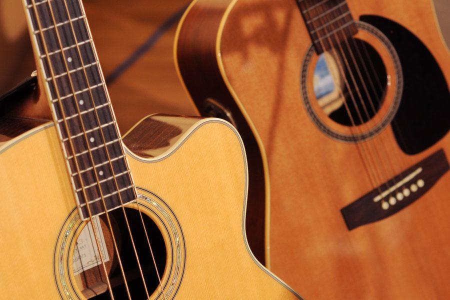 Hudba, kytara, akustická baskytara