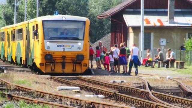 Parní lokomotiva, historický vagón, železnice (ilustrační foto)