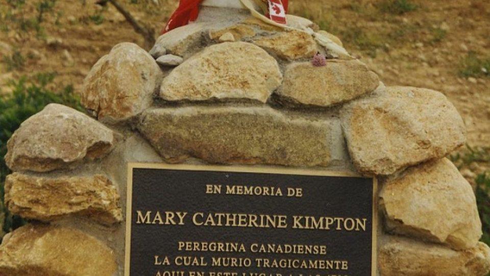 Pomník tragicky zemřelé kanadské poutnice