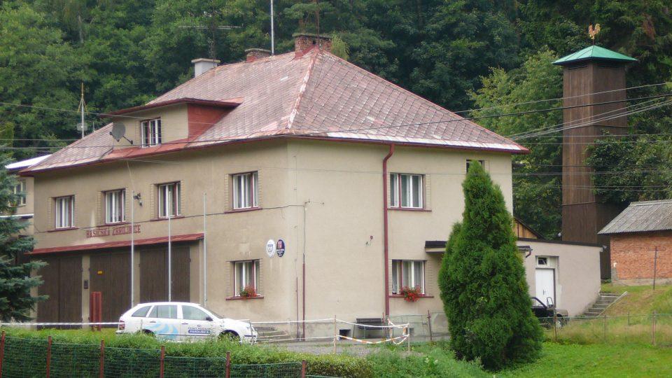 Budova obecního úřadu s hasičskou zbrojnicí