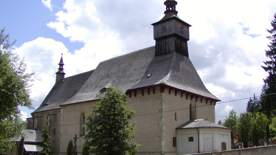 Kostel nejsvětější trojice tvoří významnou dominantu obec