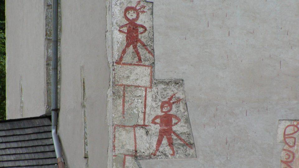 Tajemné ornamenty na kostele Nejsvětější trojice v Klášterci nad Orlicí