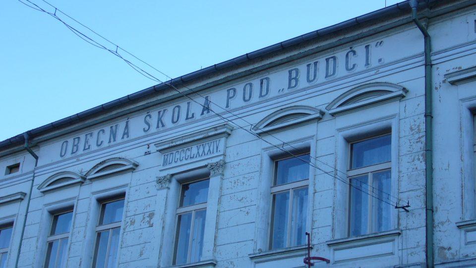 Obecná škola pod Budčí v Zákolanech