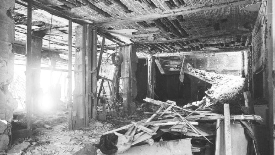 Přízemí rozhlasu po zásahu pumy shozené z letadla Messerschmitt 262.