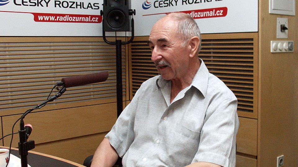 Novinář Zdeněk Velíšek vysvětluje,