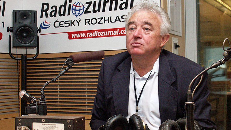 Tajemník Českého svazu včelařů  Miloslav Peroutka