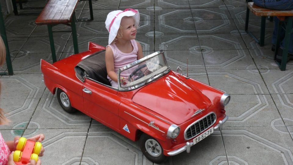 Felicia je hračkou nejen pro velké děti