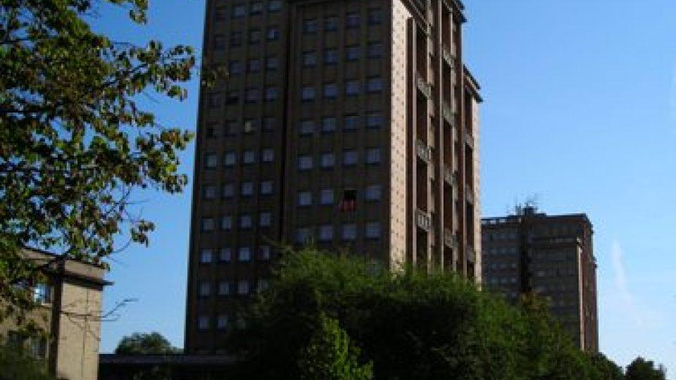 Opravu věžáků blokují pamatkáři