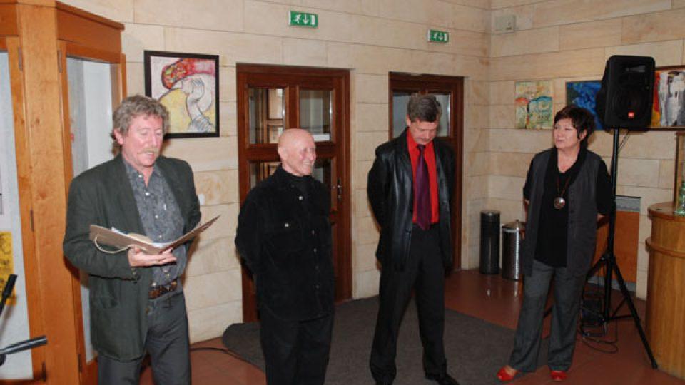 Zahájení výstavy - zleva Vlado Rusko, Vojtěch Kolařík, Miroslav Dittrich a Hana Kofránková