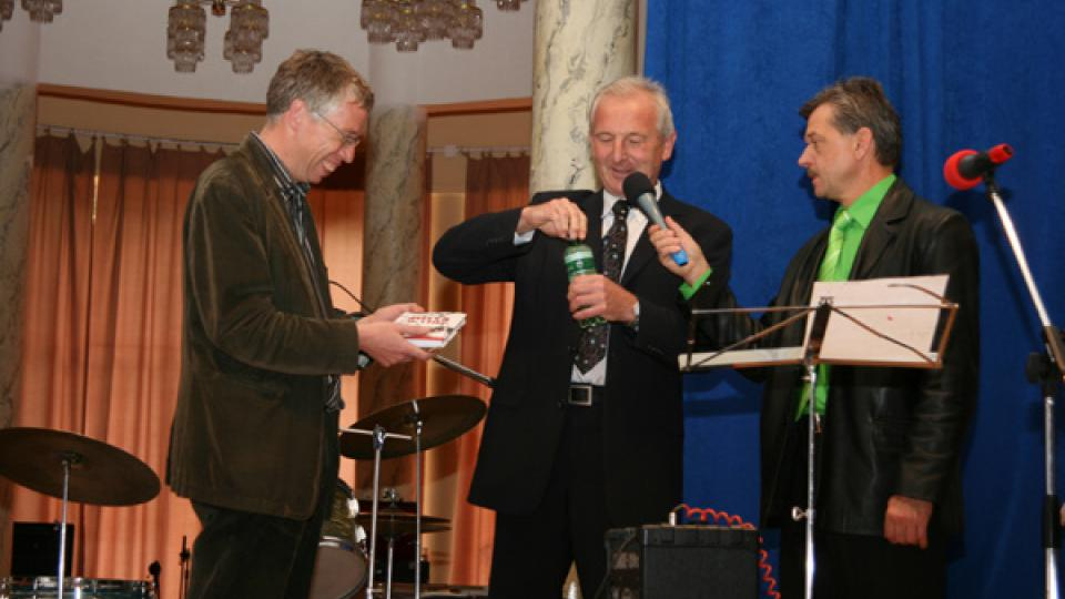 Autor knihy vlevo,  Josef Rambousek - g.ř. Lázní Poděbrady a Miroslav Dittrich