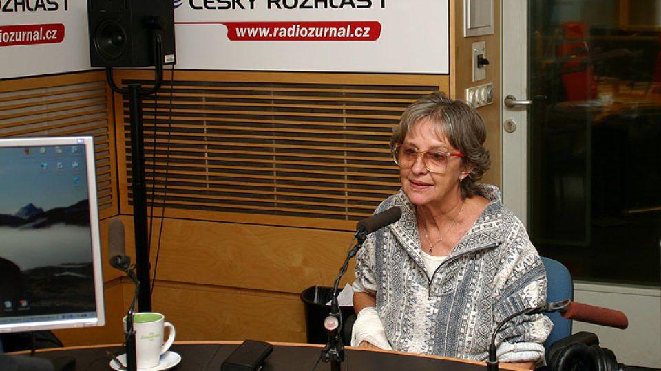 divadelní a filmová herečka Nina Divíšková