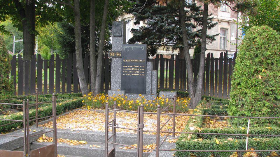 Památník obětem z roku 1938 - V Moravské Chrastové se postavili nacistům se zbraní v ruce