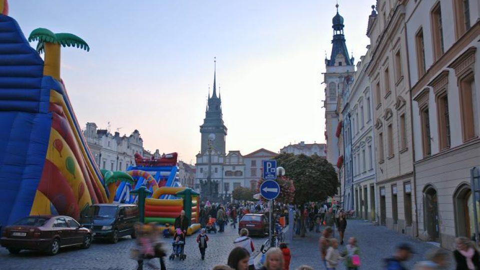 Sraz účastníků lampionového průvodu na Pernštýnském náměstí