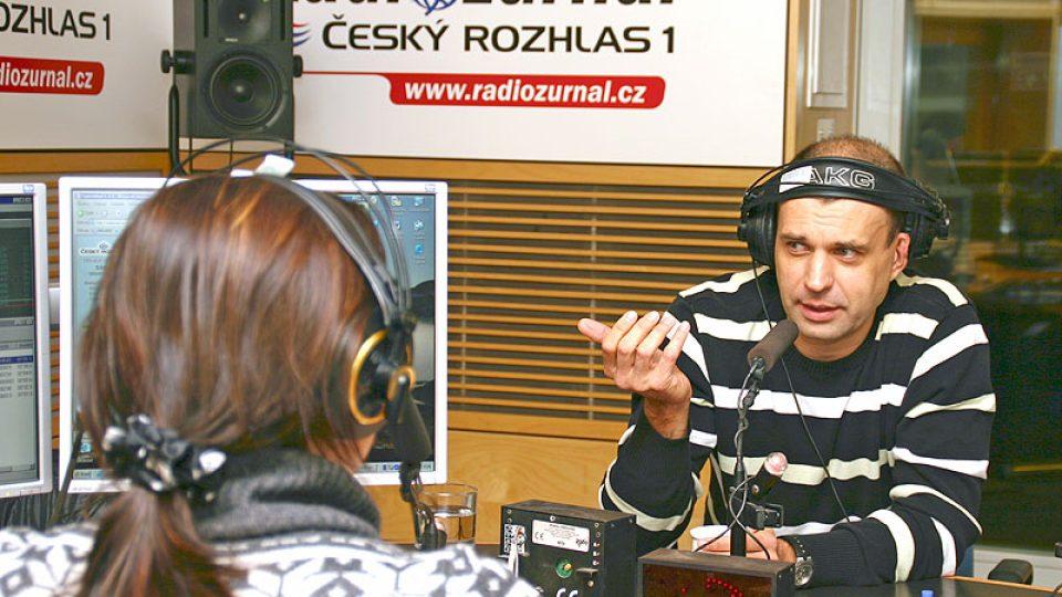 Petr Rychlý a moderátorka Lucie Výborná