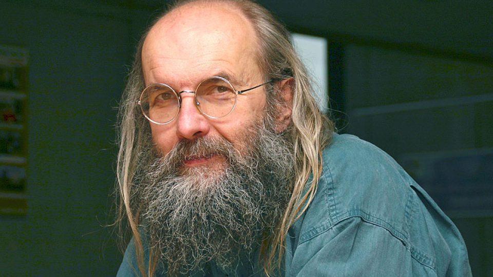 ředitel Ústavu pro jazyk český Karel Oliva