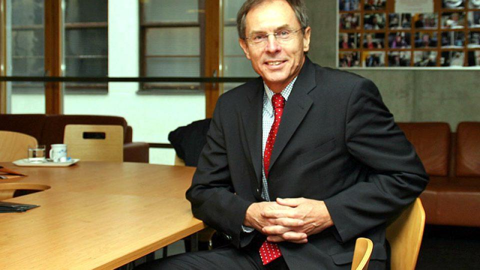 profesor Jan Švejnar