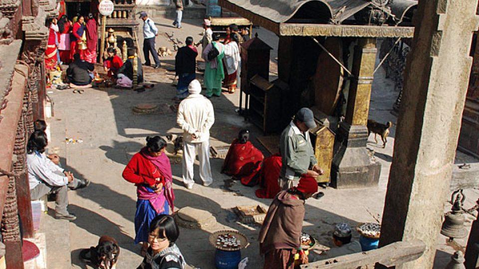 Život v ulicích Káthmándu