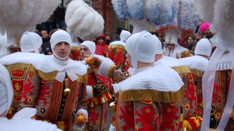 Pomeranče na karnevalu v Binche