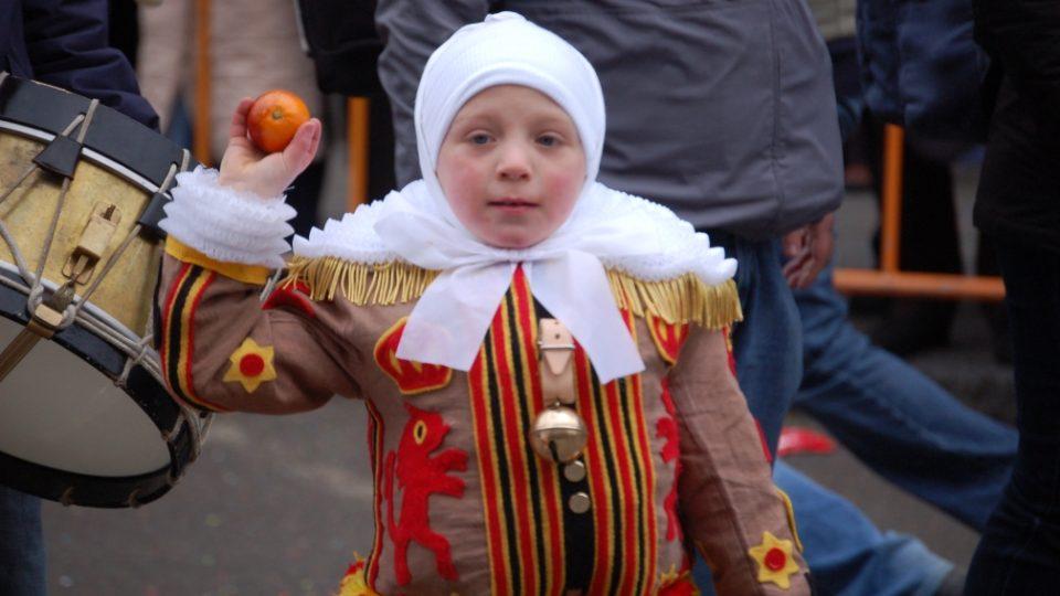 Malý návštěvník belgického masopustu