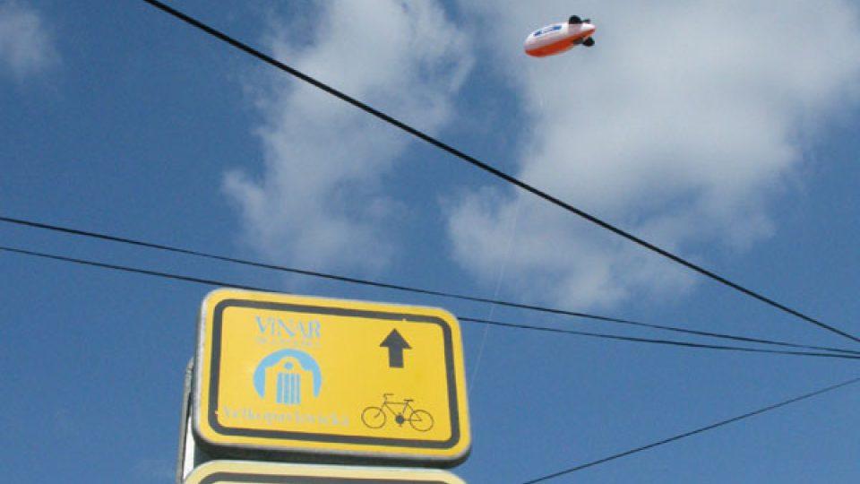 Ve Vrbici létala i rozhlasová vzducholoď