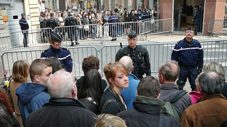 Policejní zátarasy v centru Štrasburku