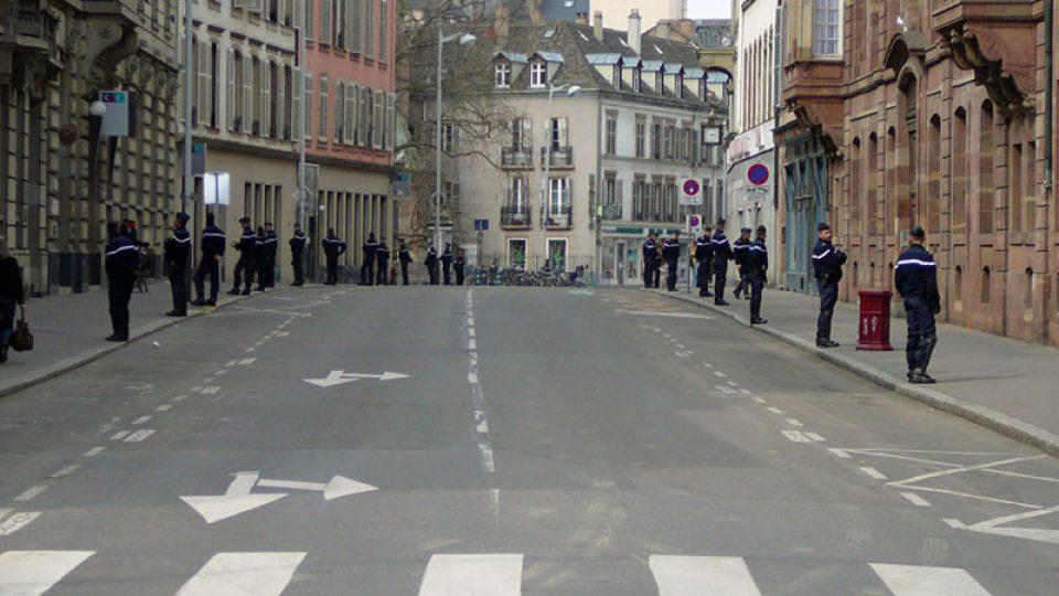 Hlídkující policisté ve Štrasburku