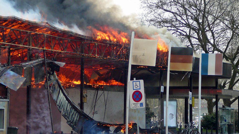 Hořící budova ve Štrasburku