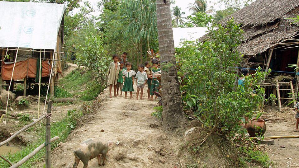 Děti ve vesnici