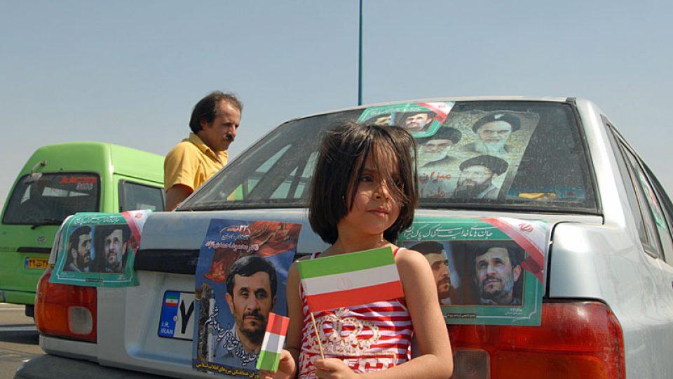 Chomejního výročí se překrývá s předvolební kampaní