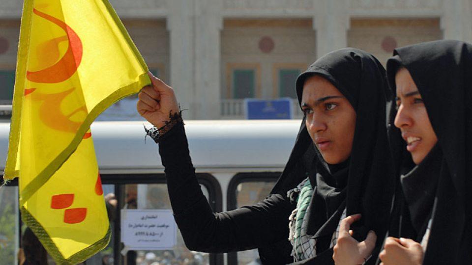 Mladí Íránci islám neodmítají