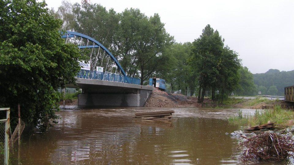Rozvodněná Malše v Roudném u Českých Budějovic