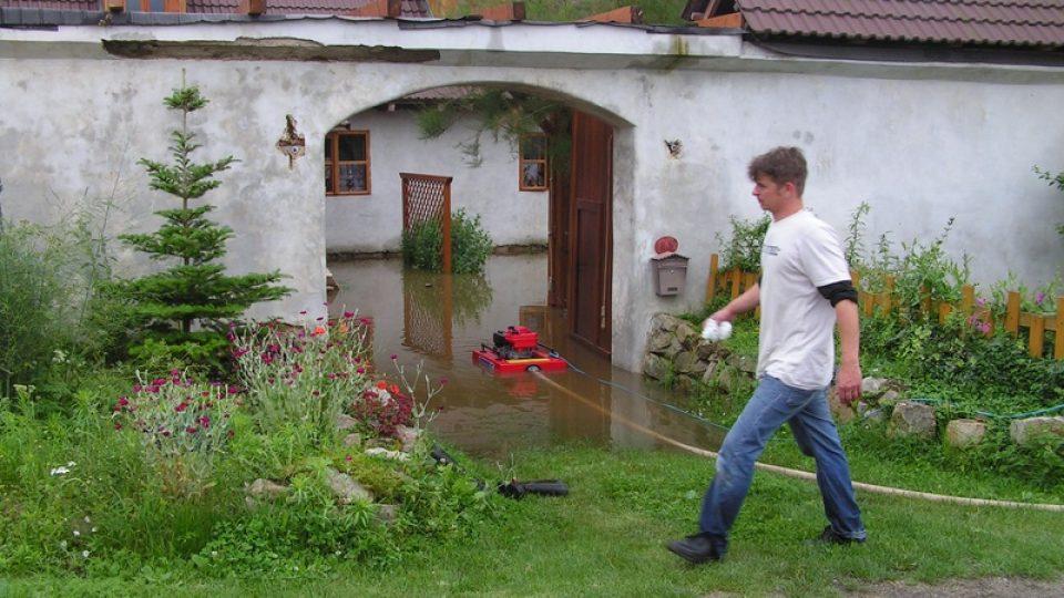 Rozvodněná Blanice v Heřmani
