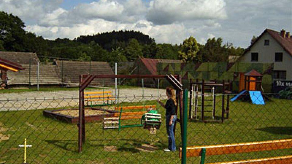 Dětské hřiště v Salvníči