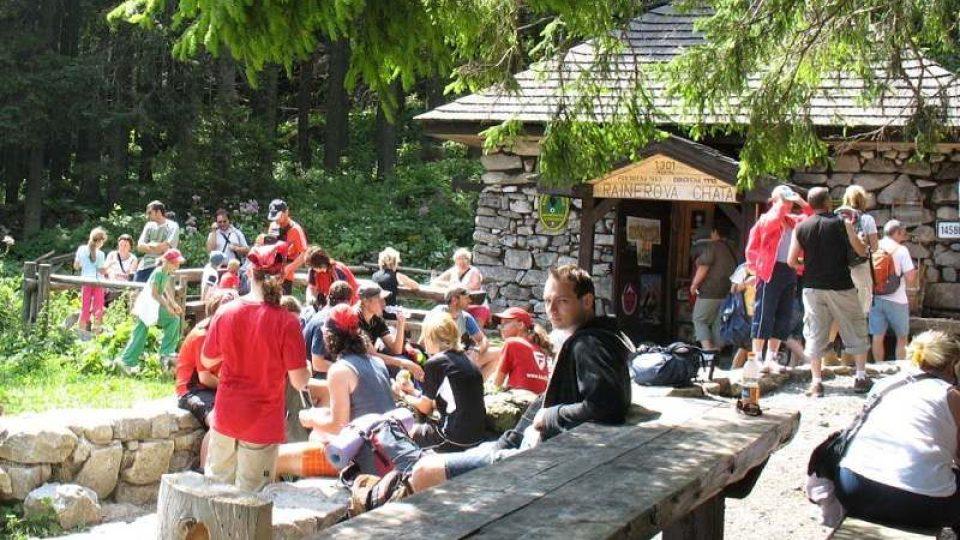 Rainerova chata je neustále v obležení turistů