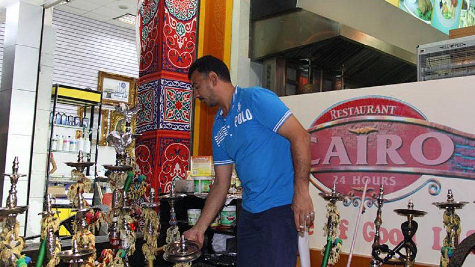 Nabídka dýmek v restauraci Cairo