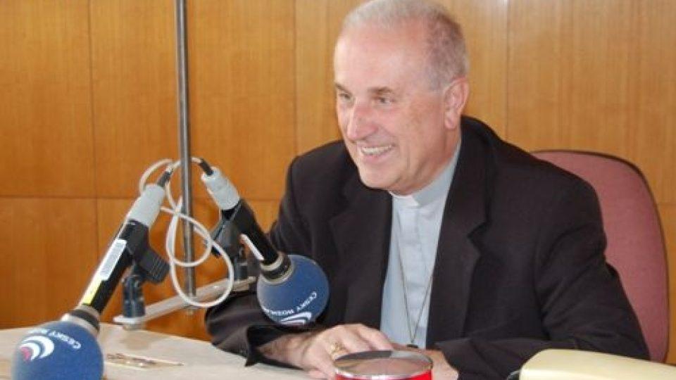 Plzeňský biskup Mons. František Radkovský, který  3.října 2009 oslaví  70.narozeniny, byl 23.9.09 hostem ve studiu ČRo Plzeň