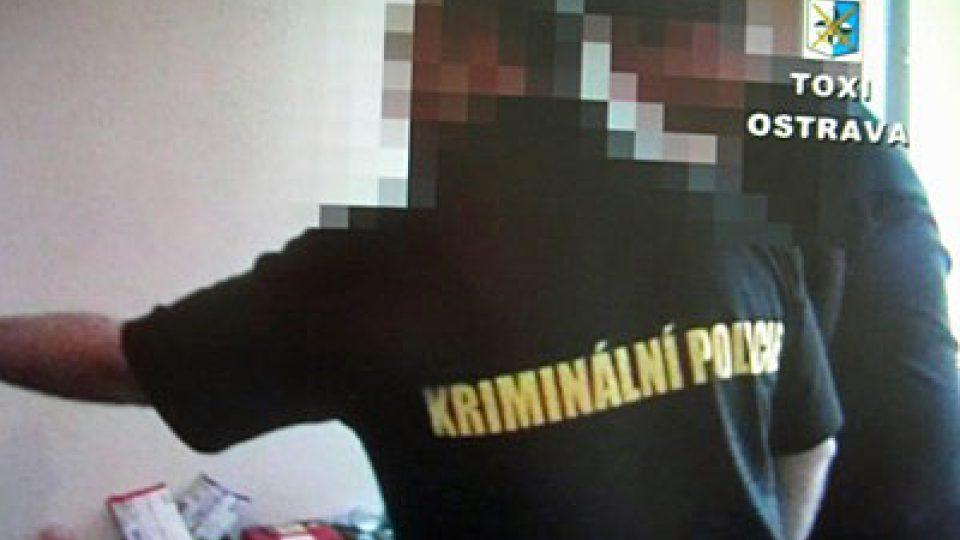 Policejní razie proti výrobcům pervitinu