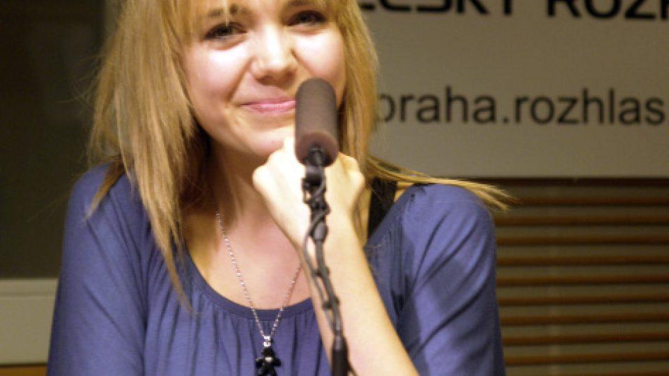 Lucie Vondráčková ve studiu